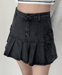 Jakar denim pleated pocket mini skirt