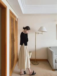 Another flared skirt