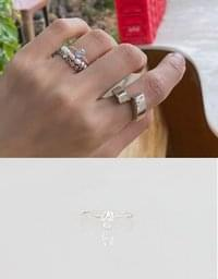 Muse silver ring