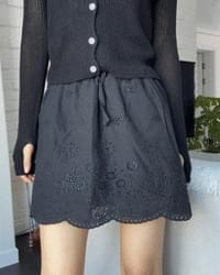 Embossed lace cotton mini skirt