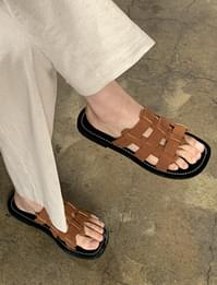 chess cover leather flip flops