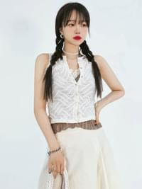 Button May and Crop Sleeveless