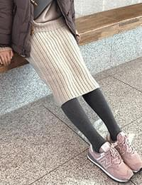 Cotton tights in midwinter