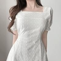 Straight Square Neck Short Sleeve Puff Punching Dress 2color