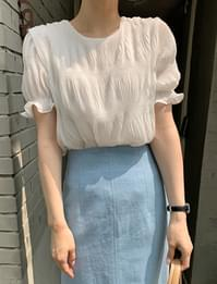 Lily Wrinkle Puff Blouse