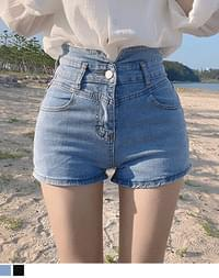 Quito high-waisted shorts