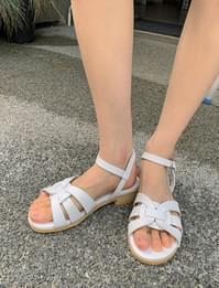 leaf leather buckle sandals