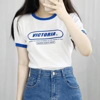 Leah lettering cropped short sleeve Tee