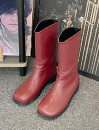 Maison Rounding Leather Long Boots