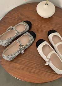 Shiny color matching tweed Mary Jane shoes