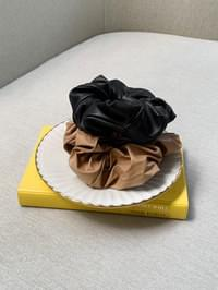 leather hair tie