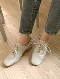 plain lace up loafers