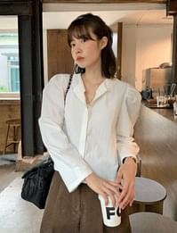 Secret puff round cropped blouse