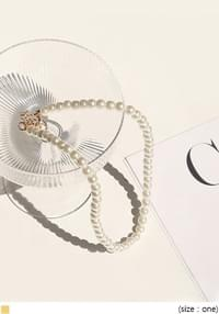 MATISSE PEARL NECKLACE