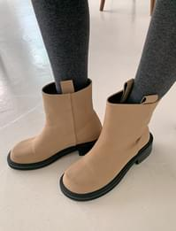 Round Chunky Ankle Middle Boots