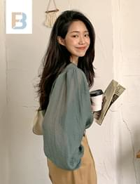 wrinkled puff sleeve blouse
