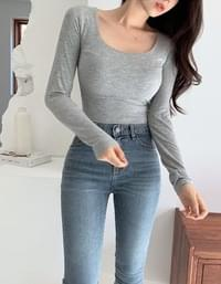 Heath tight fit U-neck cropped long-sleeved T-shirt