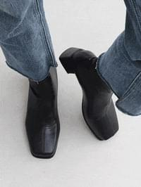 Two Material Square Nose Middle Heel Ankle Socks Boots 7080